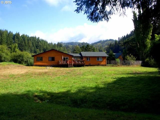 94360 Orchard Ln, Gold Beach, OR