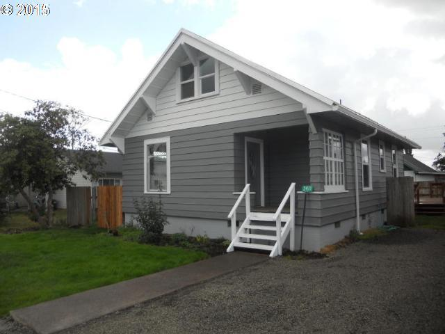 2411 7th St, Tillamook OR 97141