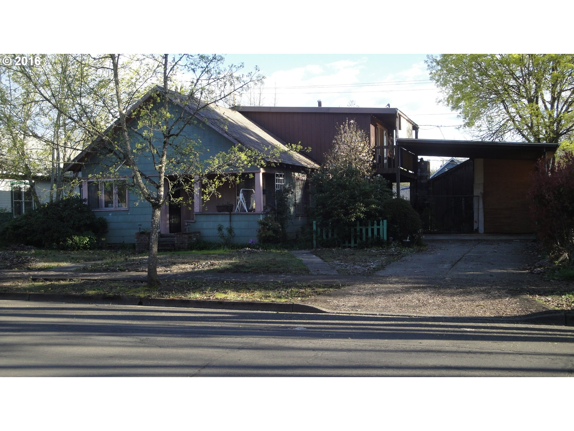 821 E St, Springfield, OR
