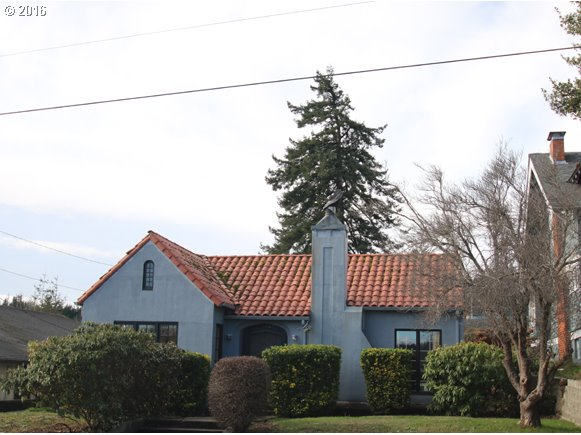 955 S 7th, Coos Bay, OR