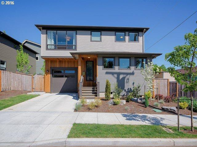 3323 SE Raymond St, Portland OR 97202