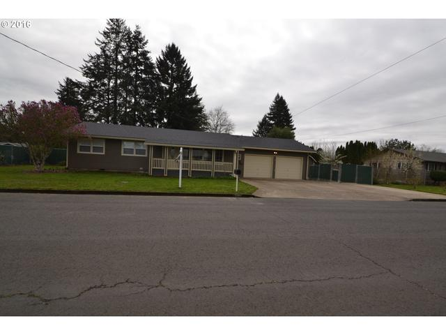 912 NE 28th St, Mcminnville, OR