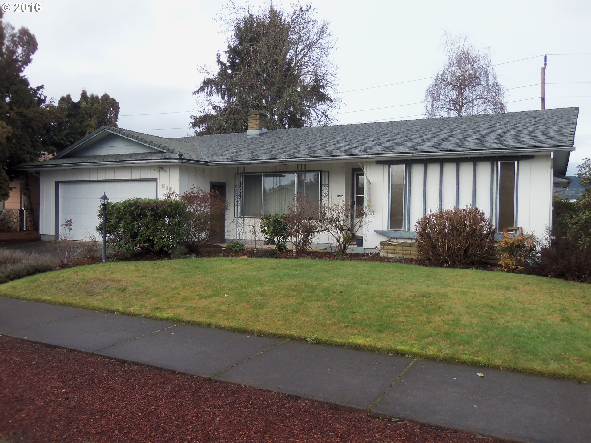 1356 Lawnridge Ave, Springfield, OR