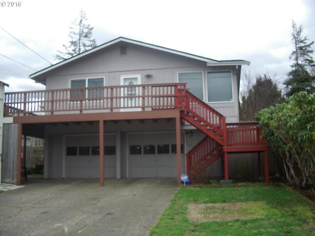 1025 Augustine Ave, Coos Bay OR 97420