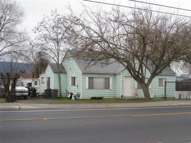 425 Nross Ln, Medford, OR