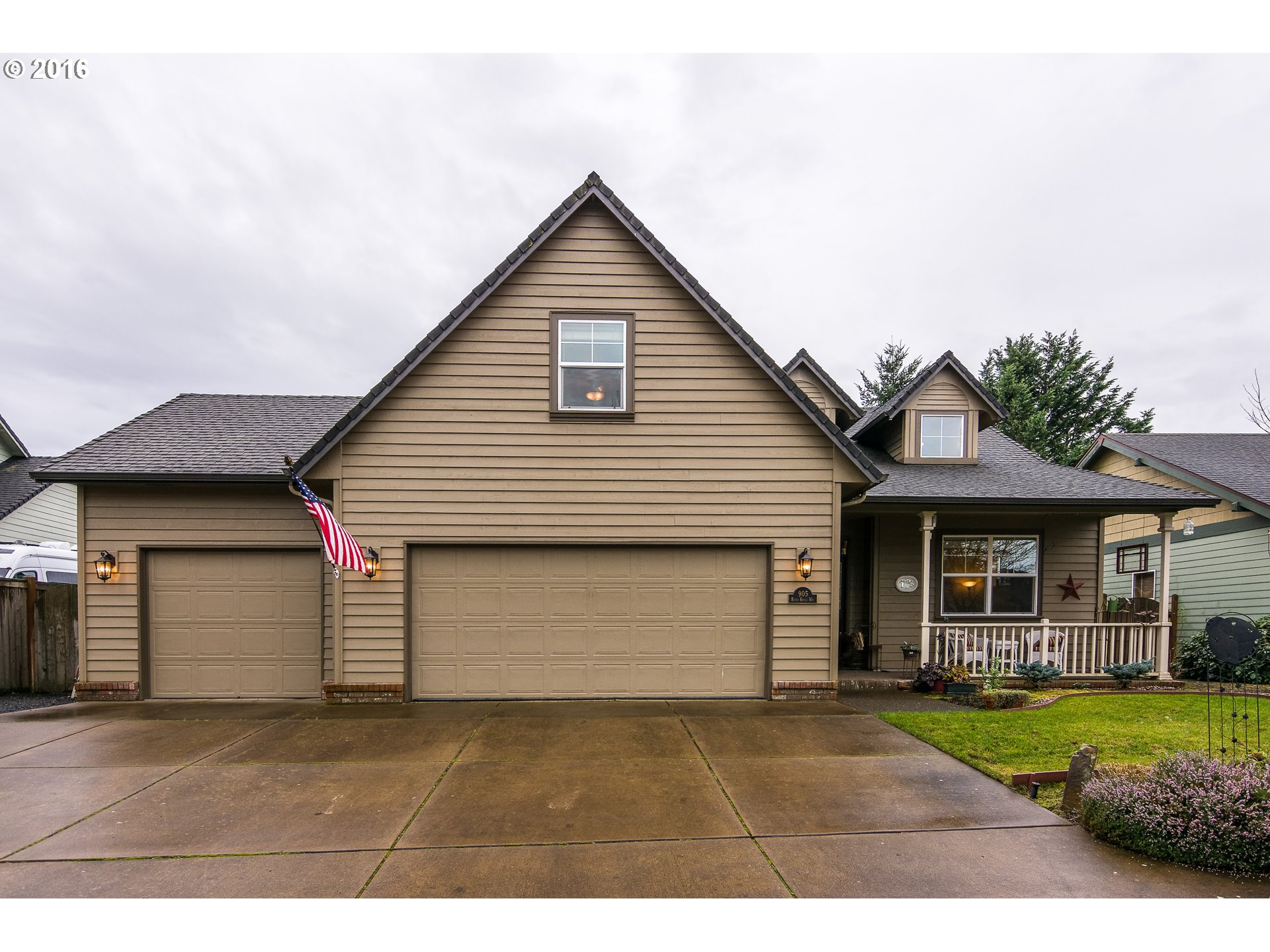 905 River Knoll Way, Springfield, OR