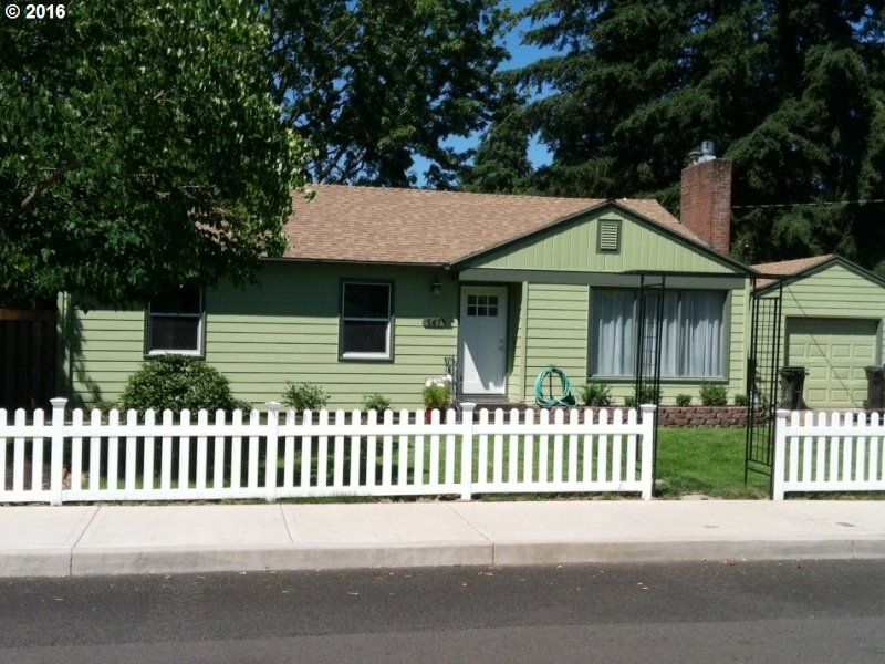 547 N Juniper St Canby, OR 97013