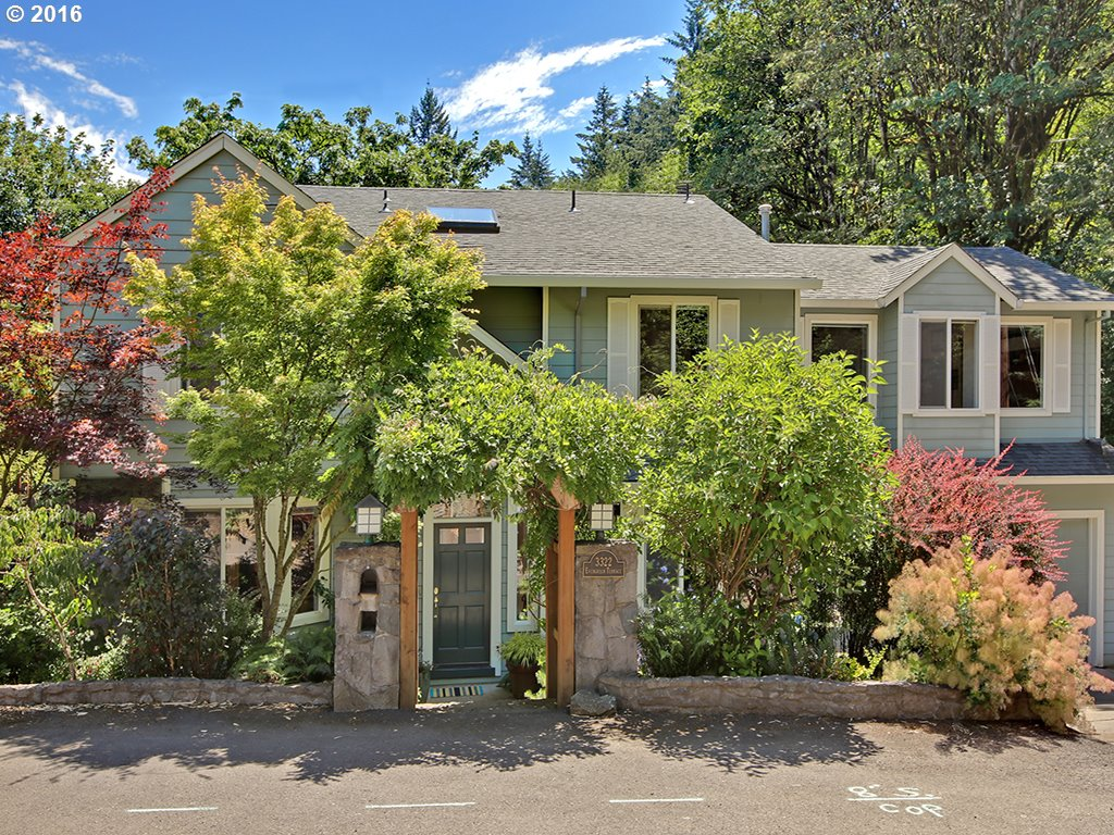 3322 SW Evergreen Ter Portland, OR 97205