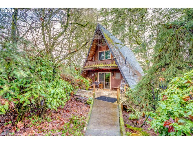 985 Edgewater Rd, Gladstone, OR