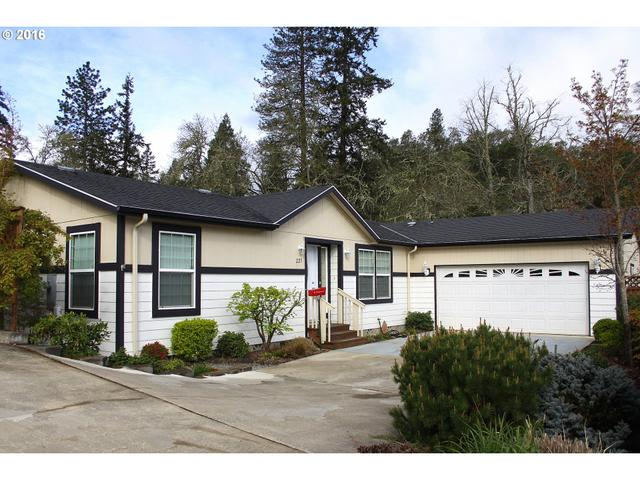 225 Knoll Terrace Dr, Canyonville, OR