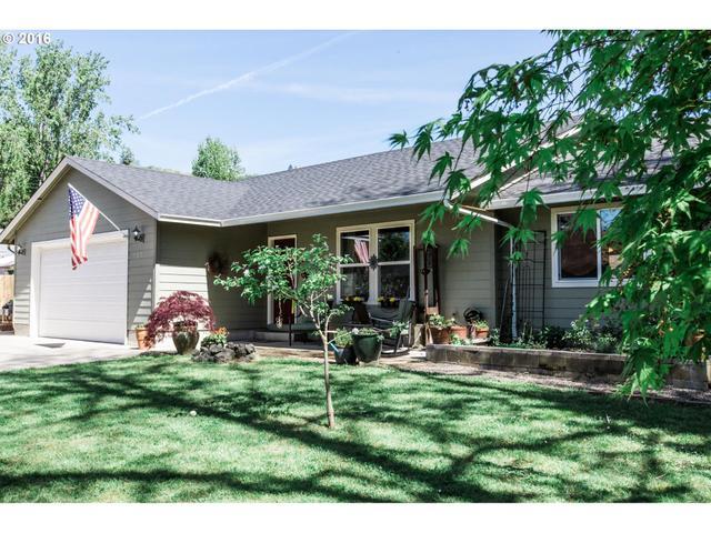 1035 Newton Creek Rd, Roseburg, OR
