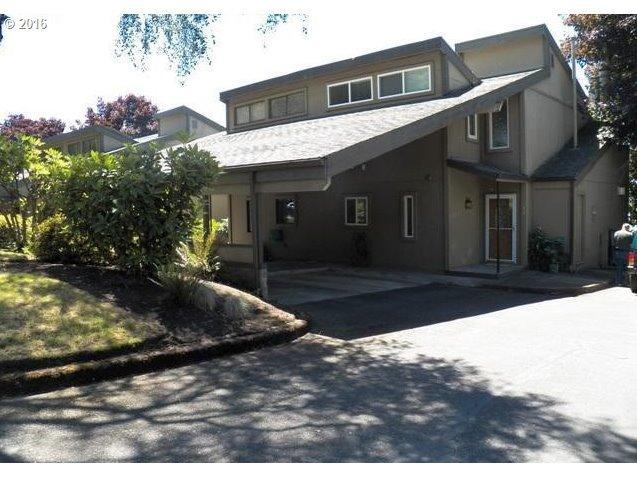 720 N Tomahawk Island Dr, Portland, OR