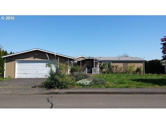 1582 Woodland Ave, Woodburn OR 97071
