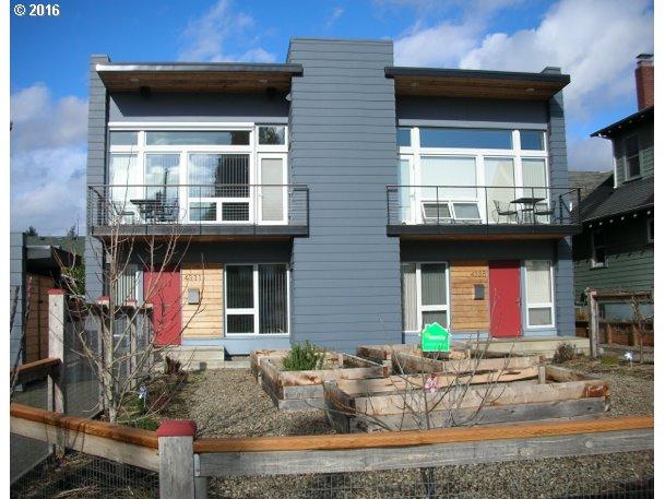 4331 SE Taylor St, Portland, OR