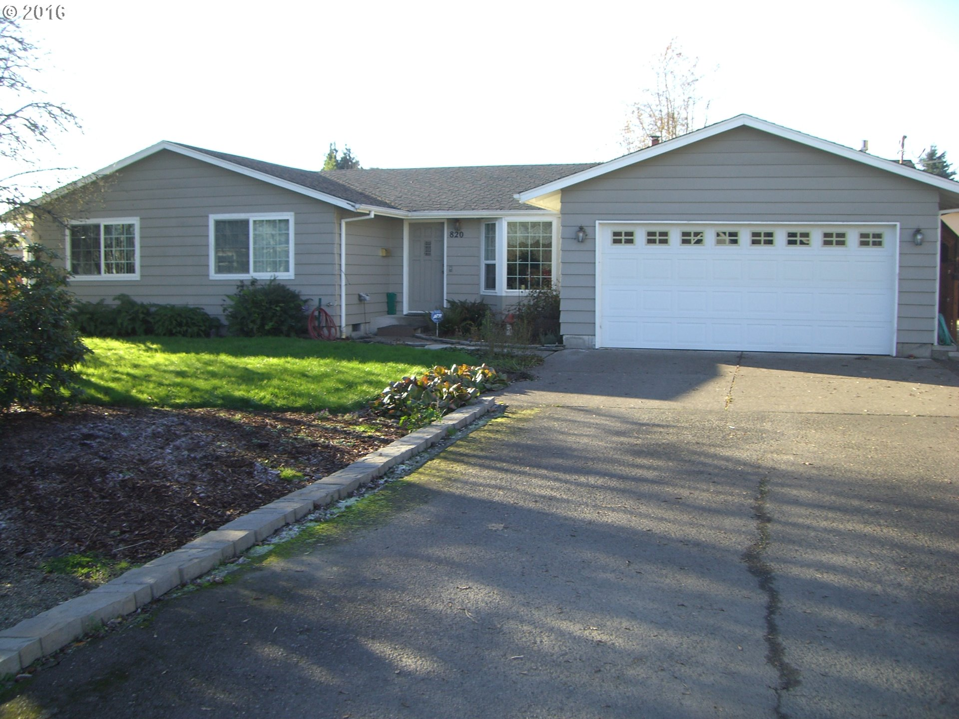 820 S 43rd St, Springfield, OR