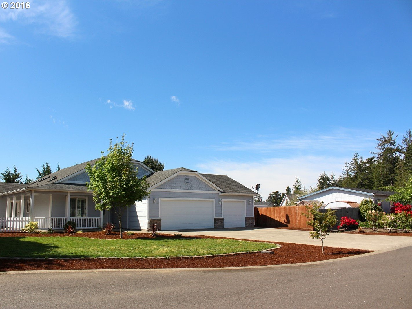 1660 Pine Ct, Florence, OR