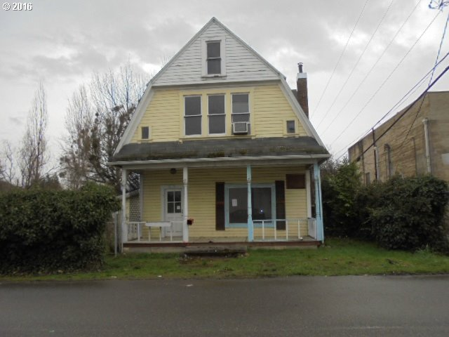 134 E Fourth Ave, Riddle, OR