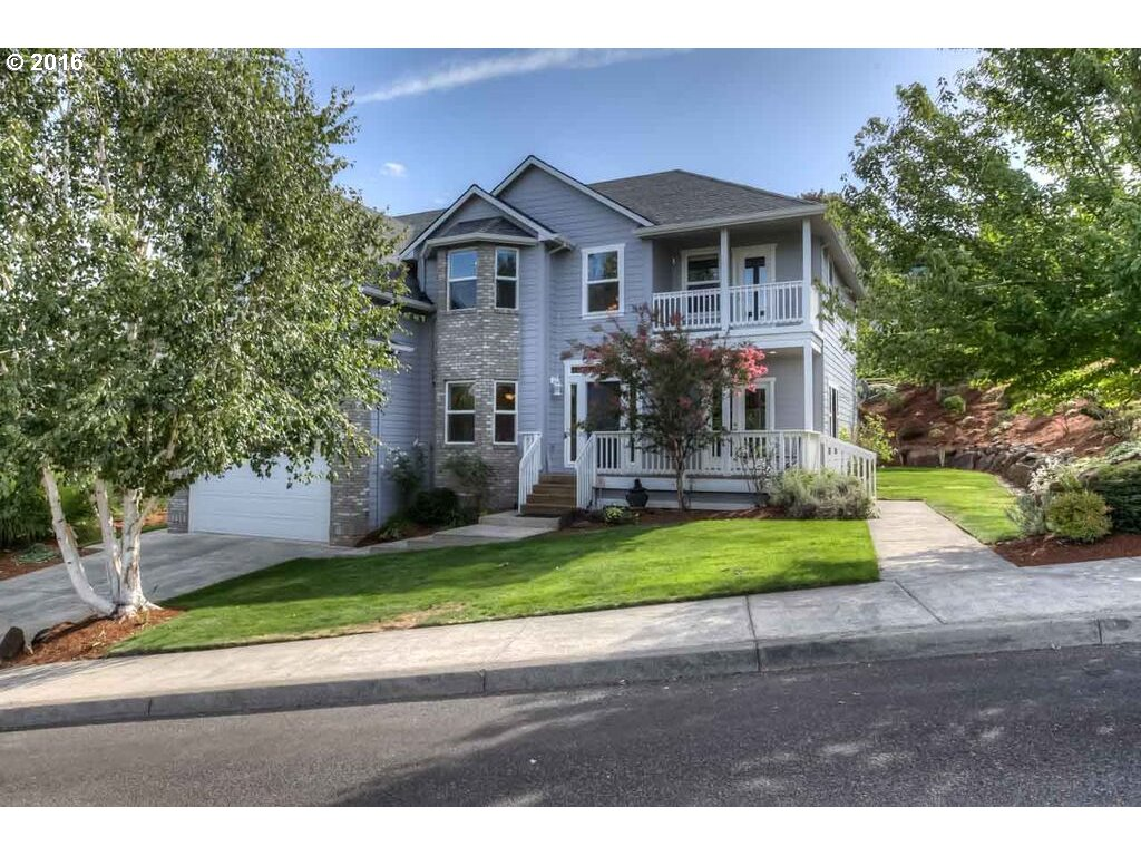 915 Chee Chee Ct, Silverton, OR