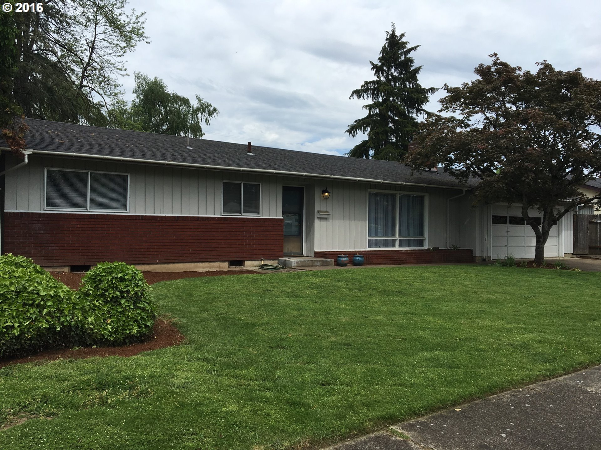 186 Woodlane Dr, Springfield, OR
