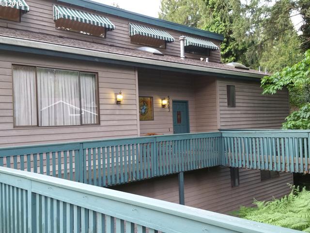 5463 SE Aldercrest Rd, Portland, OR