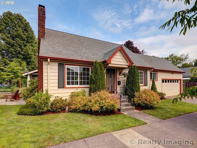 1811 SE Claybourne St, Portland OR 97202