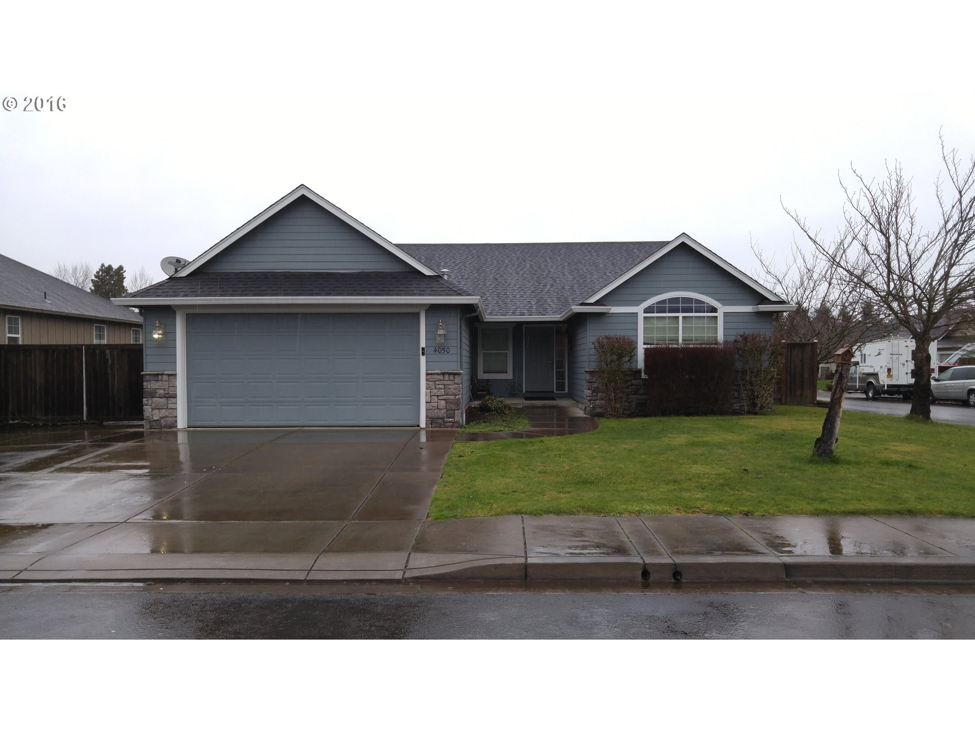 4050 S Redwood Dr, Springfield, OR