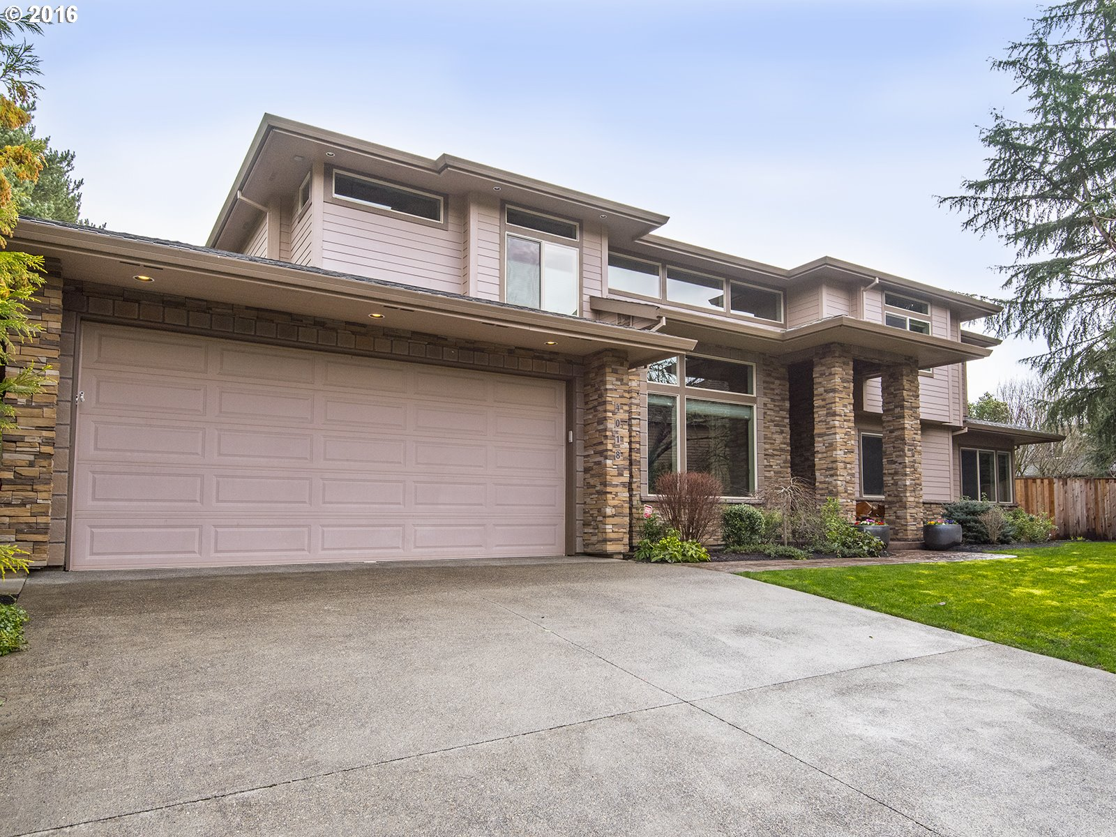 4018 Coho Ln, Lake Oswego, OR
