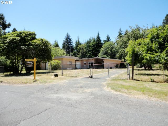 62918 Crown Point Rd, Coos Bay OR 97420