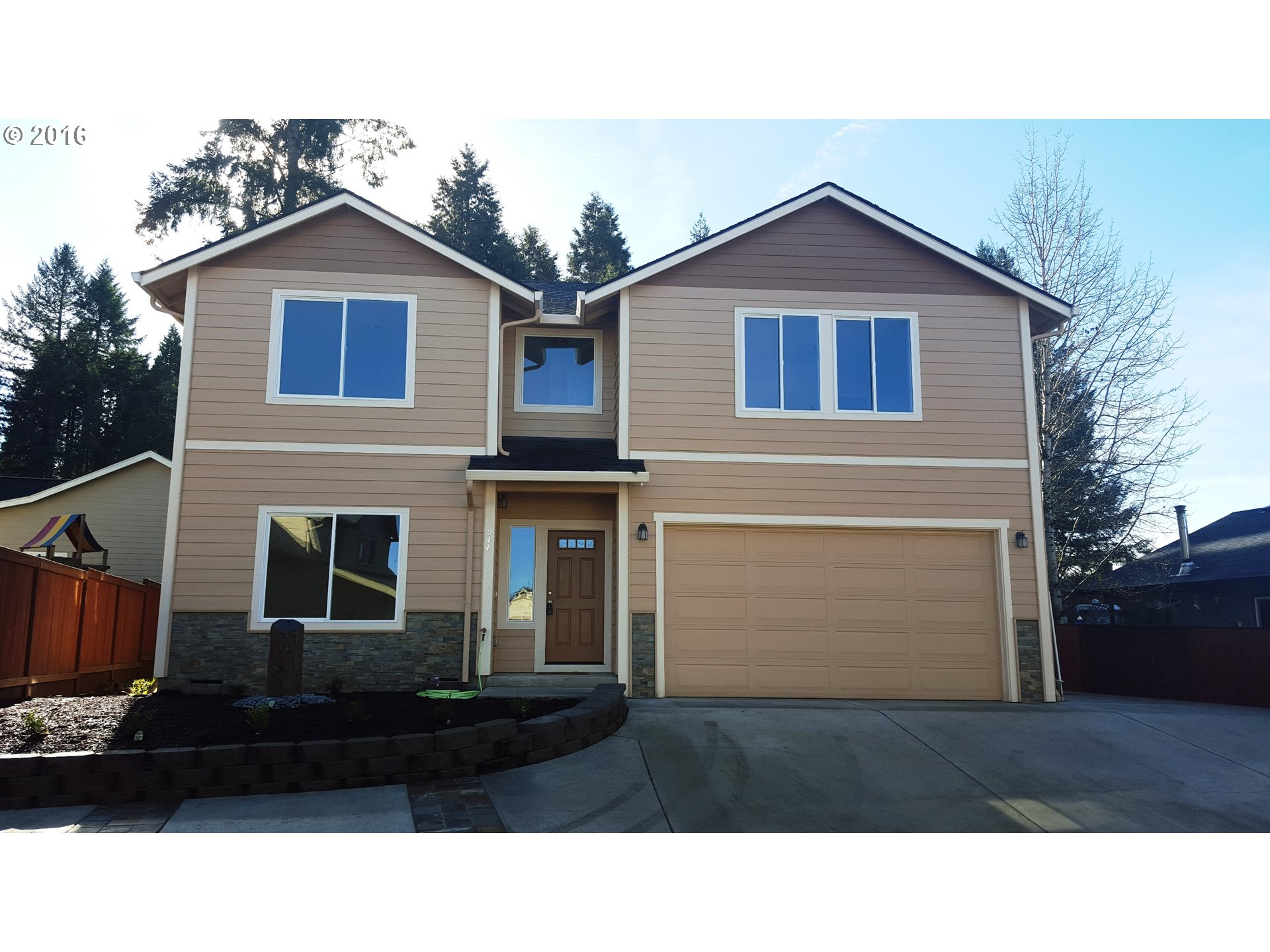 944 S 56th St, Springfield, OR