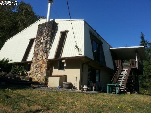 331 Hemlock Ln, Roseburg, OR