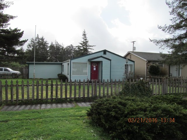 1882 17th St, Florence, OR