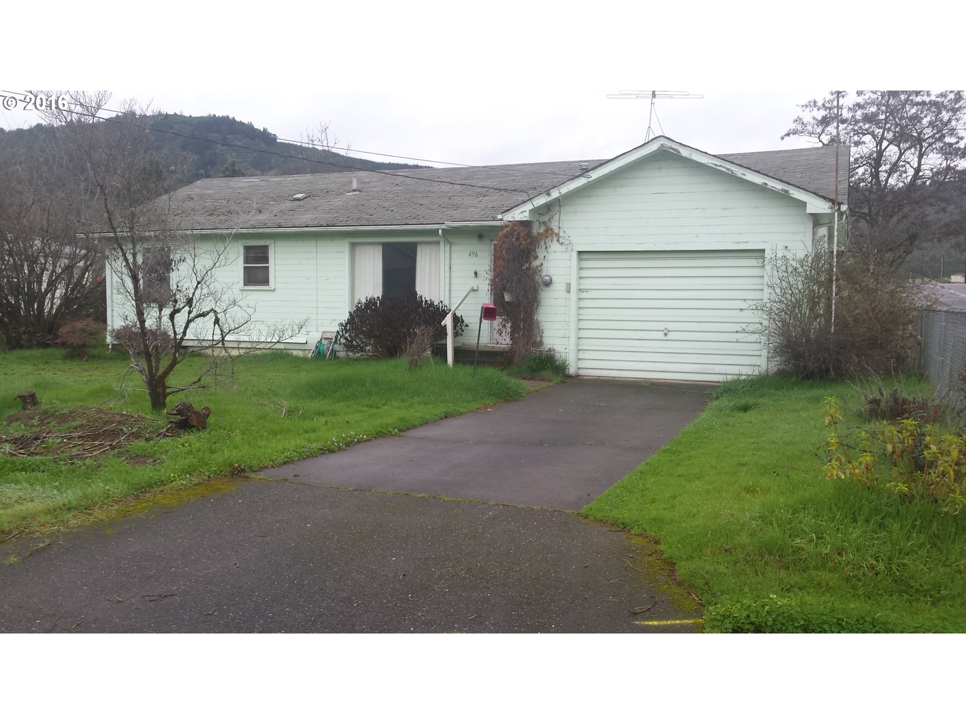 496 E Fourth Ave, Riddle, OR