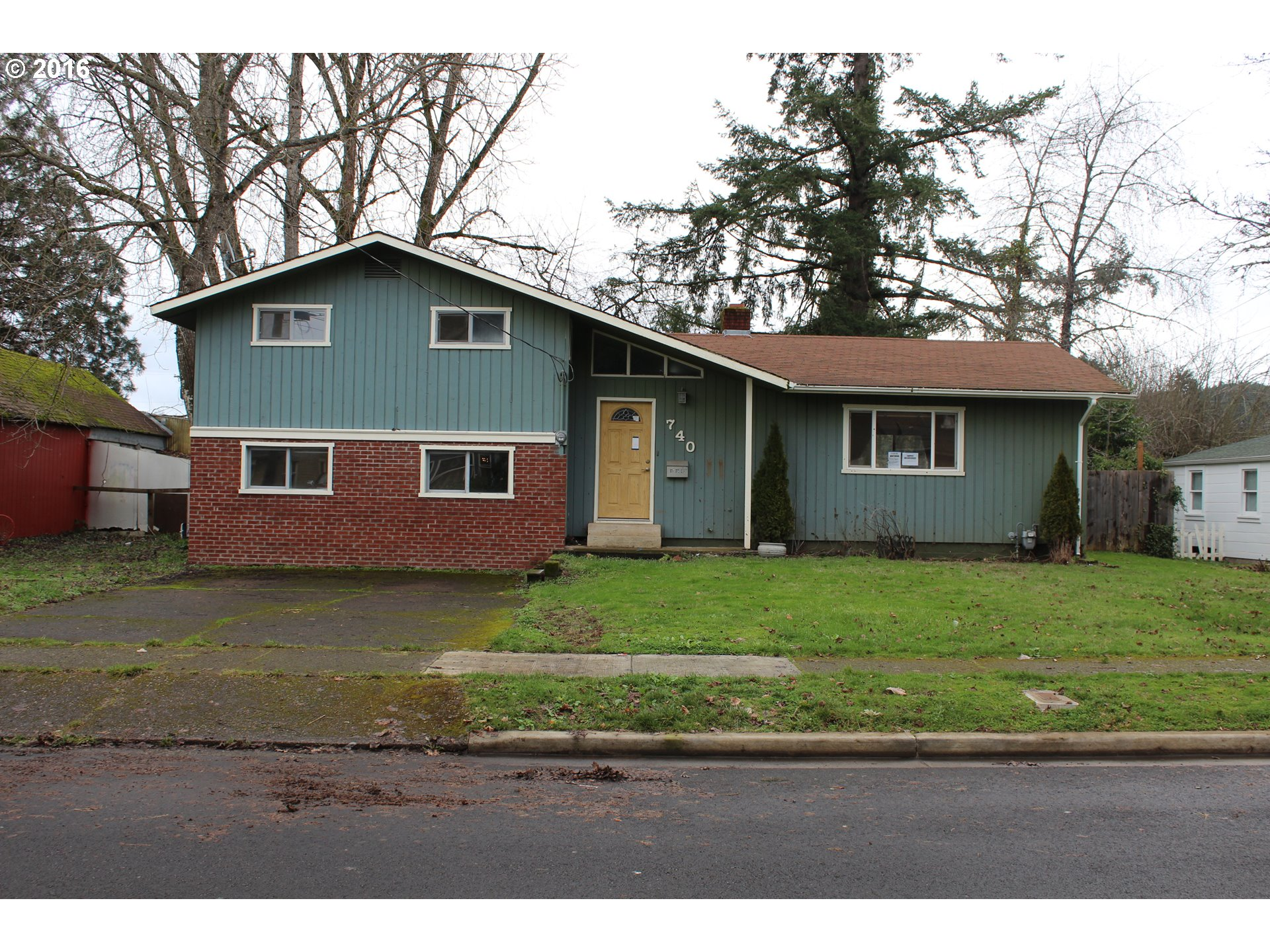 740 S 3rd St, Cottage Grove, OR