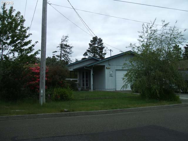 1055 7th St, Florence, OR
