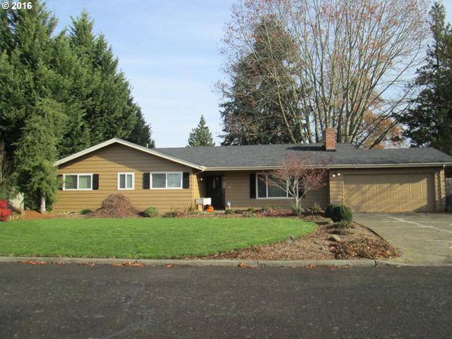 110 Smith Dr, Woodburn OR 97071
