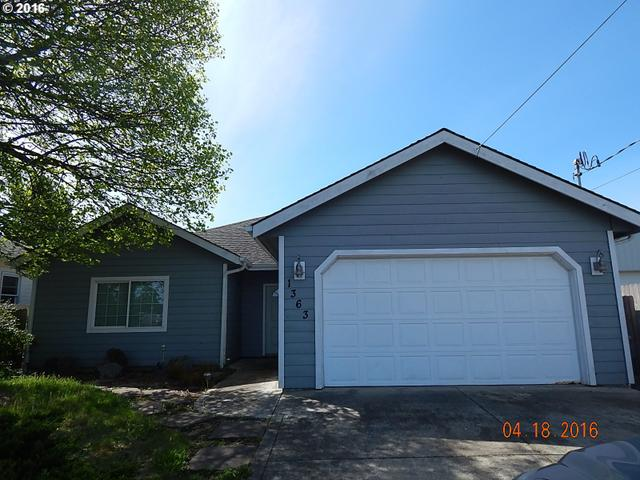 1363 Lakeshore Dr Coos Bay, OR 97420