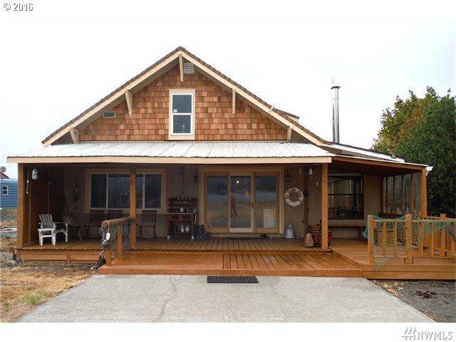 88 E Sunny Sands Rd, Cathlamet, WA