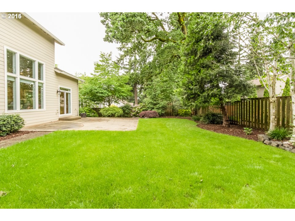 16257 Barlow Dr, Oregon City OR 97045