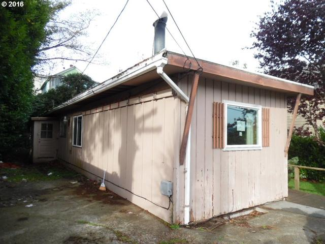 2168 Sherman Ave, North Bend OR 97459