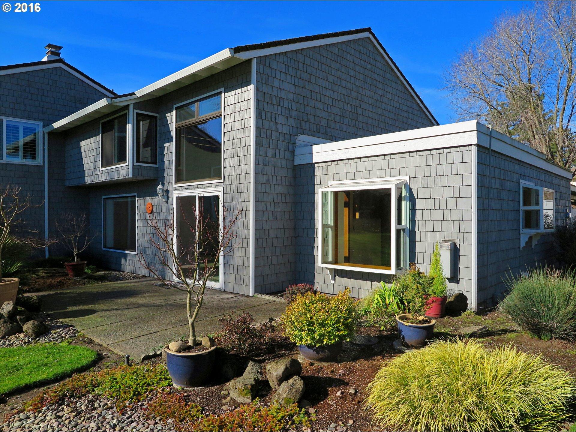638 N Hayden Bay Dr, Portland, OR