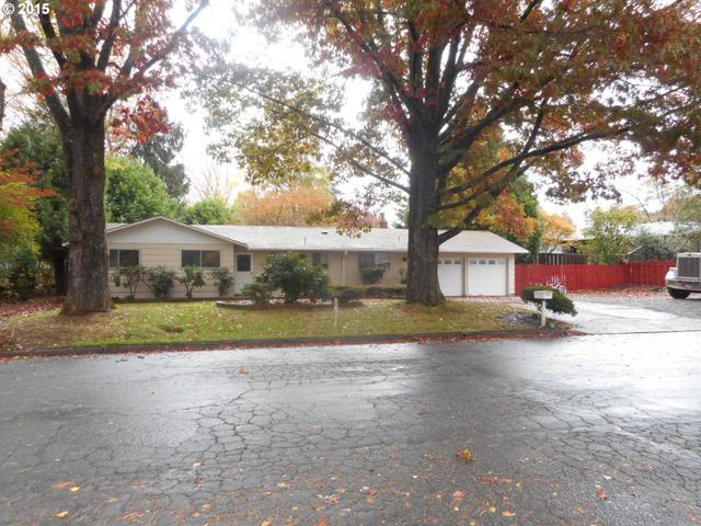 215 Vine St, Oregon City OR 97045