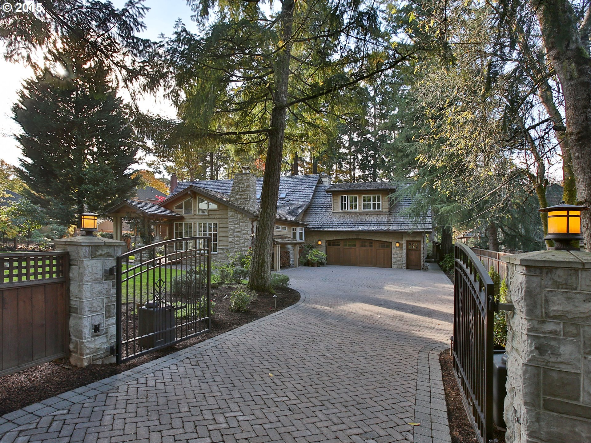 18945 Bryant Rd, Lake Oswego, OR