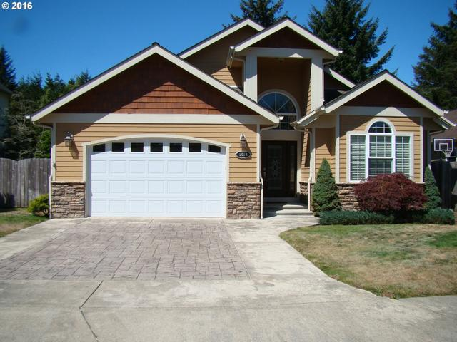1054 Seagate Ave, Coos Bay OR 97420