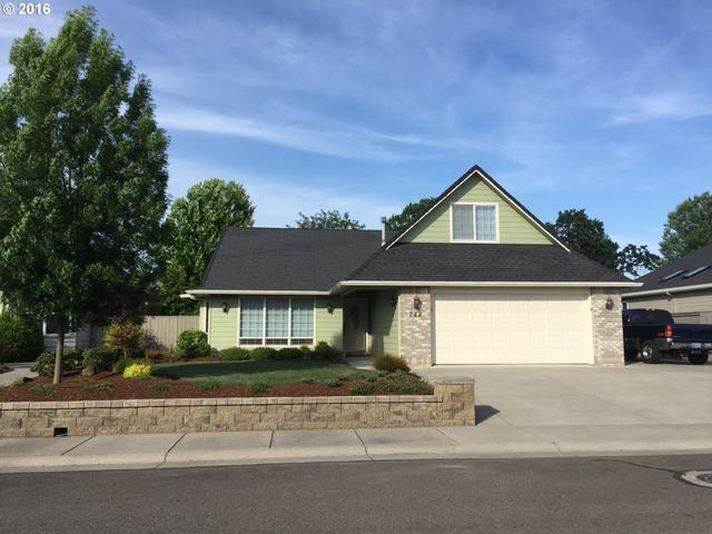 788 Ridgeway Ave, Central Point, OR