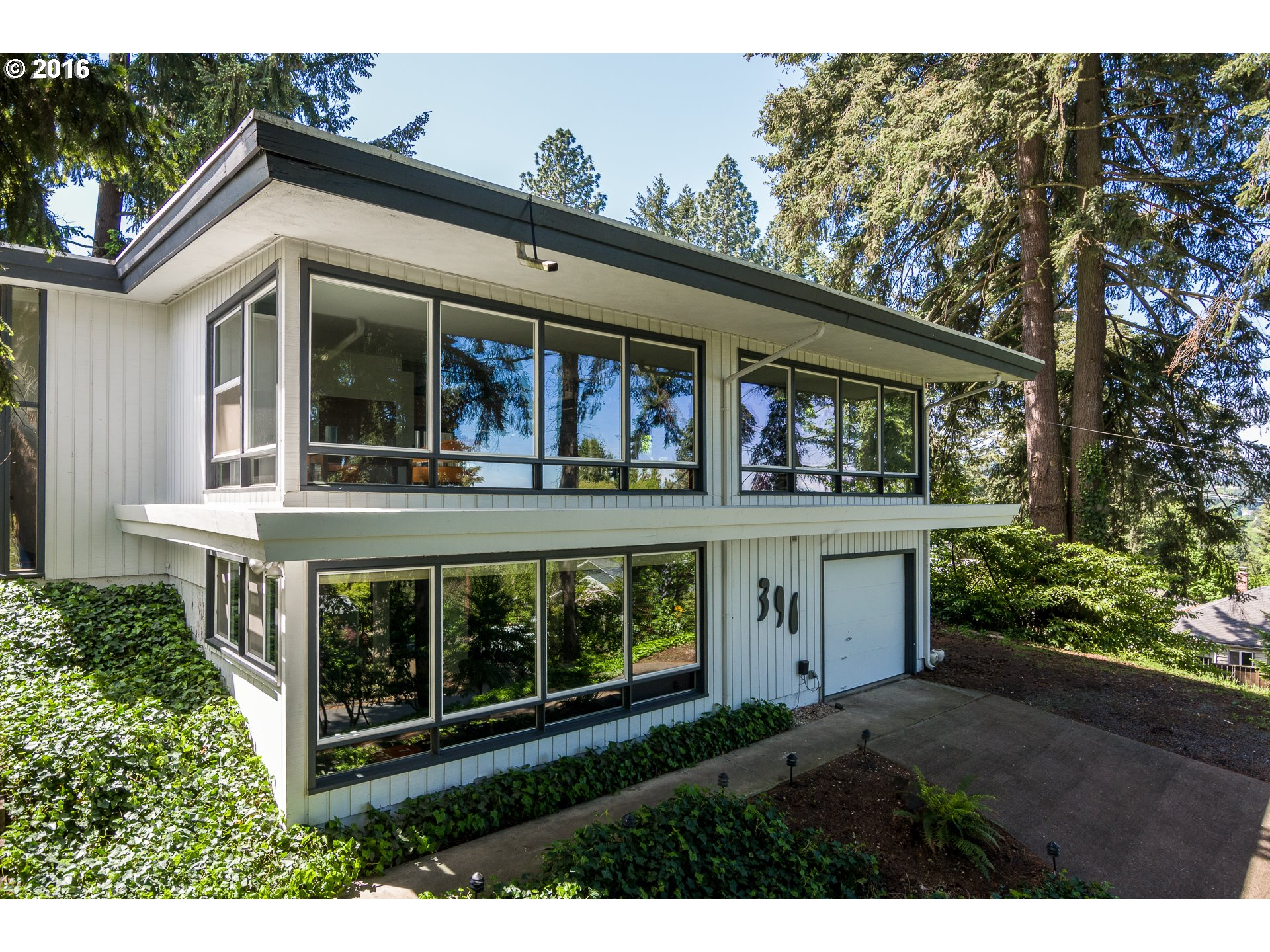 390 W 23rd Ave, Eugene, OR