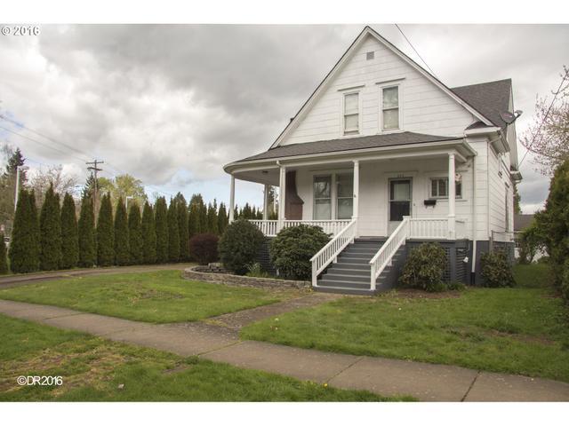 693 W Hayes St, Woodburn OR 97071