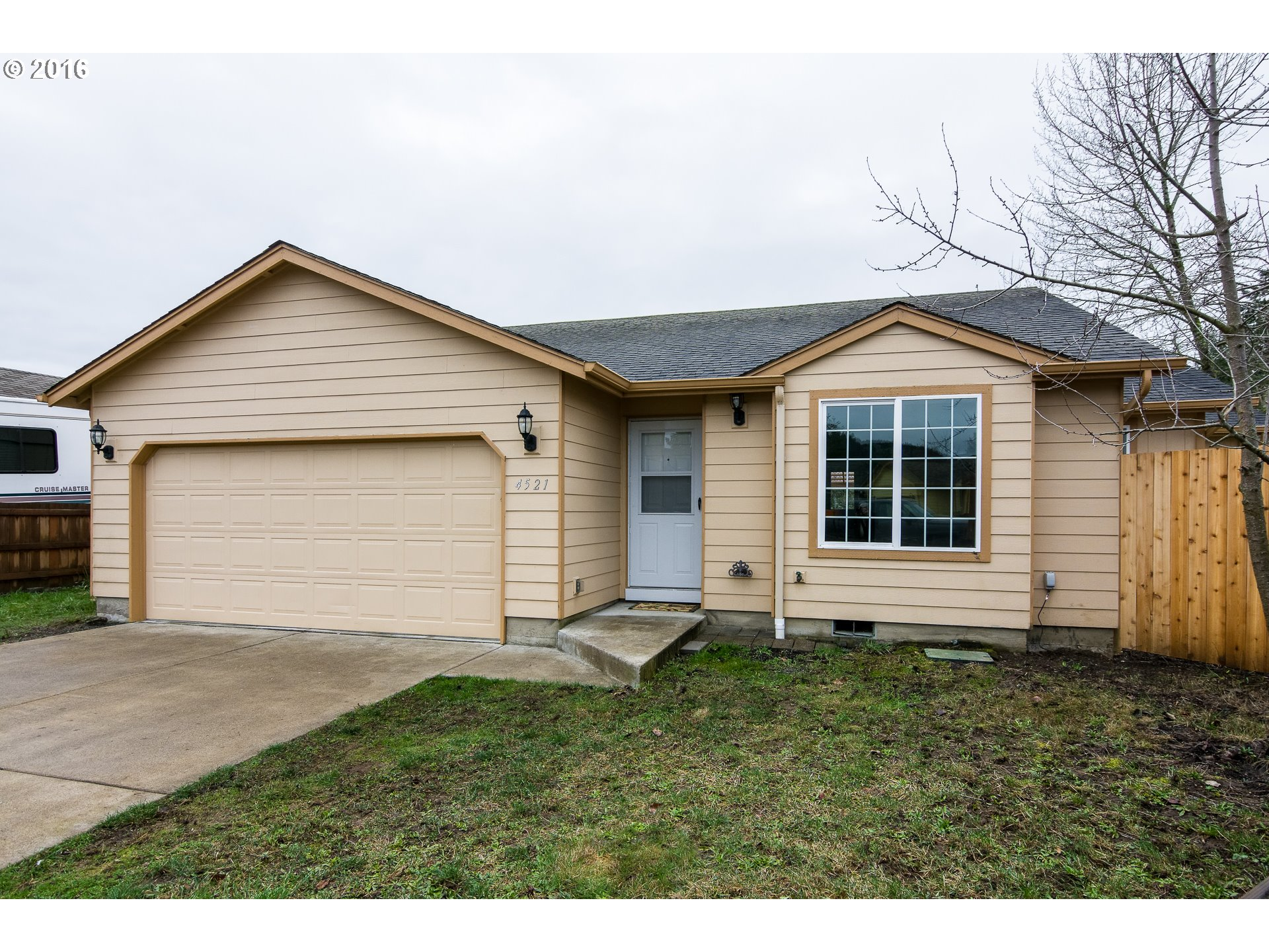 4521 Airport Ln, Sweet Home, OR
