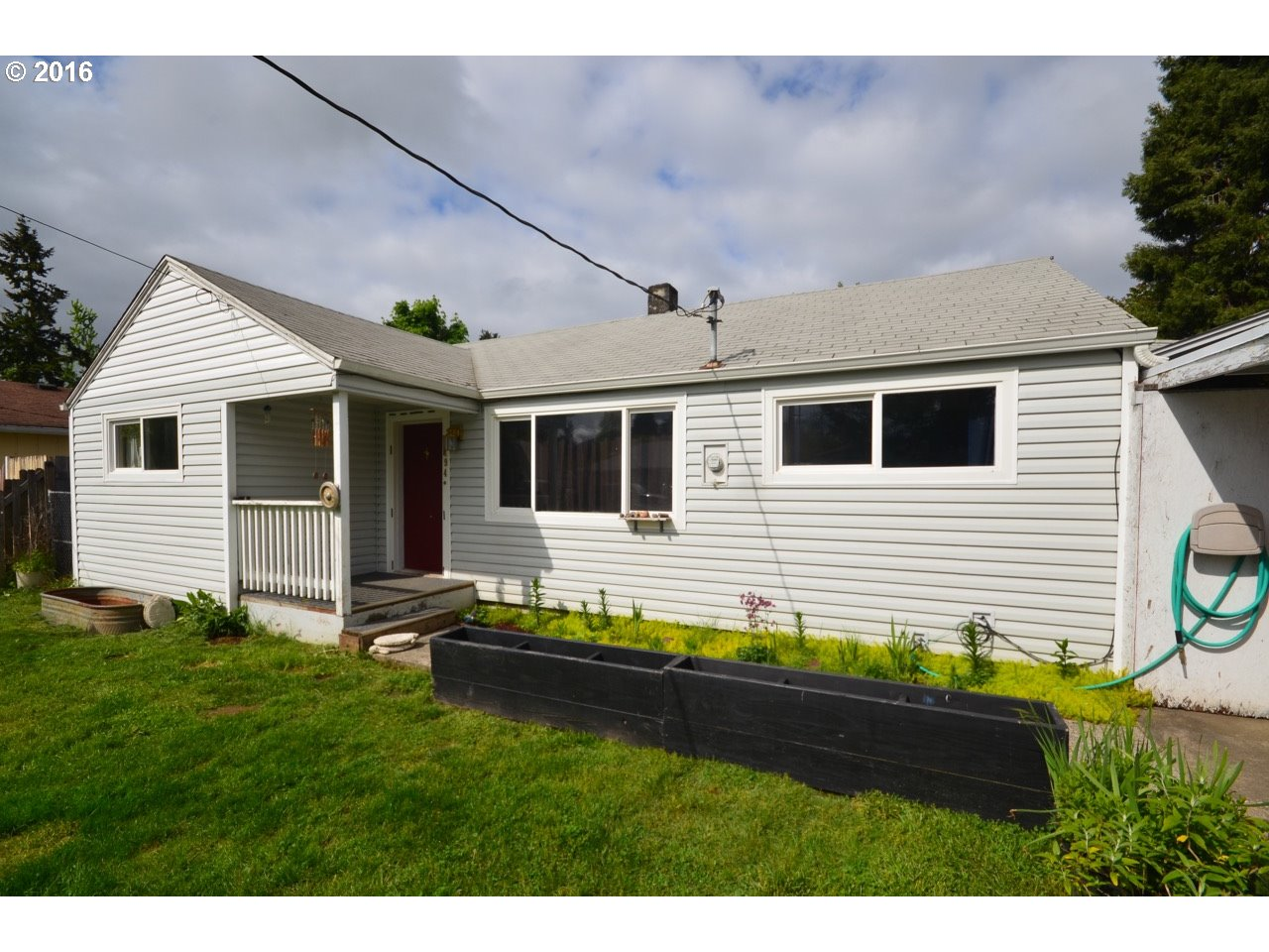 194 S 51st St, Springfield, OR