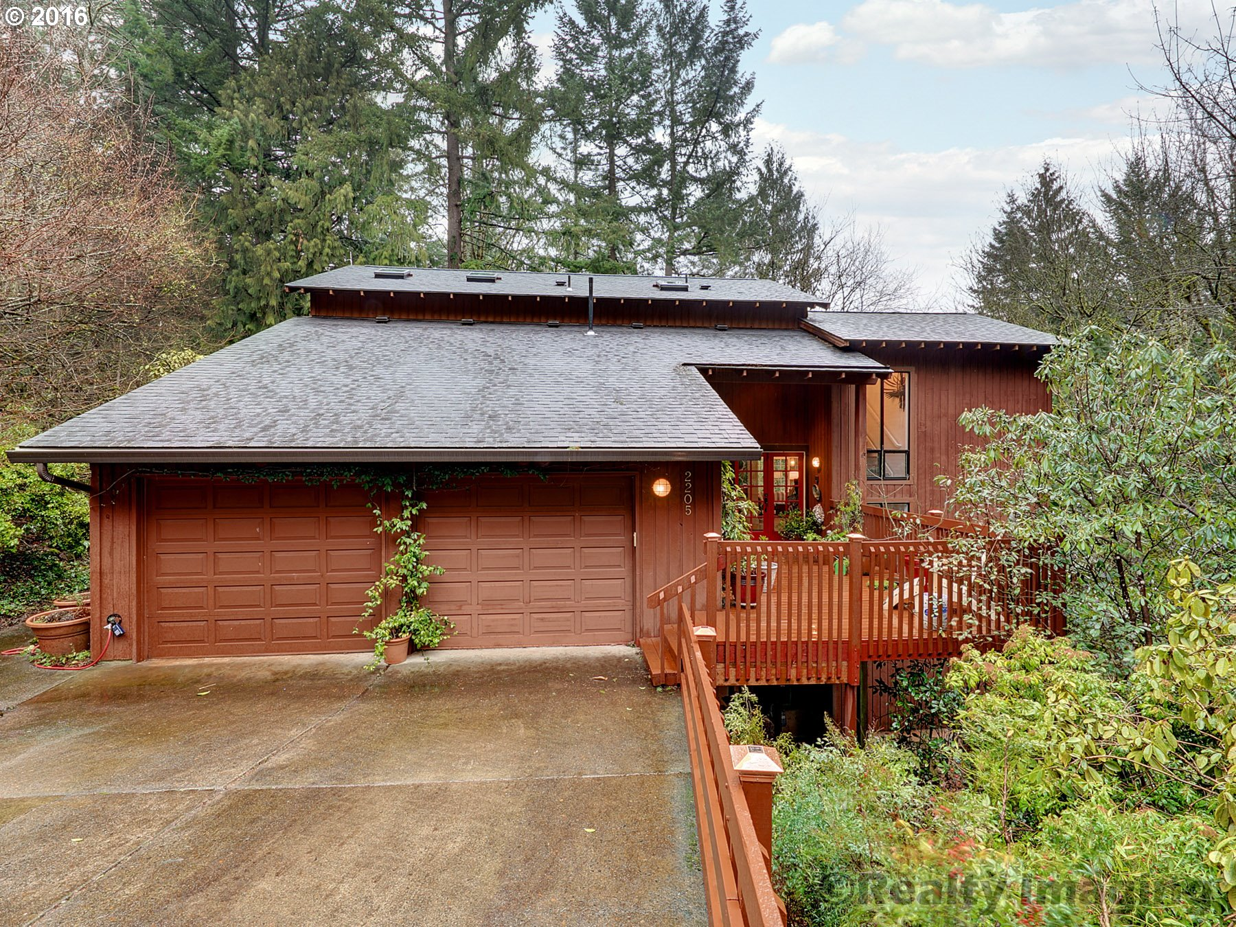 2205 SW Scenic Dr, Portland, OR
