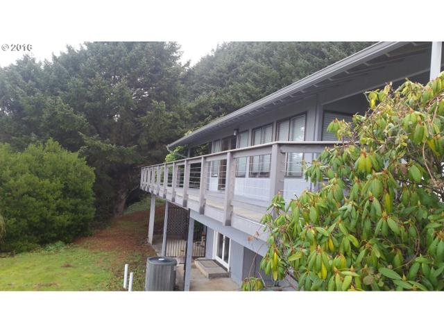28646 Kissing Rock Rd, Gold Beach, OR